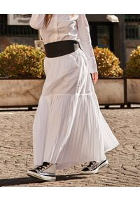 WILD MASCOT - Rozkloszowana spódnica maxi. Kolor: biały. Materiał: bawełna, len. Sezon: lato