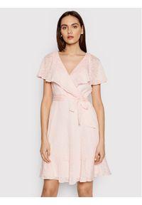 DKNY Sukienka codzienna DD1BE436 Różowy Regular Fit. Okazja: na co dzień. Kolor: różowy. Typ sukienki: proste. Styl: casual