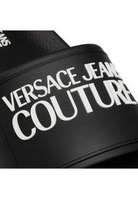 Versace Jeans Couture Klapki E0YWASQ2 Czarny. Kolor: czarny