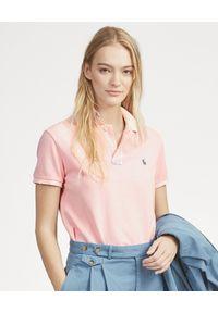 Ralph Lauren - RALPH LAUREN - Koszulka Classic Fit z logo. Typ kołnierza: polo. Kolor: różowy, wielokolorowy, fioletowy. Materiał: bawełna, materiał. Wzór: haft, aplikacja