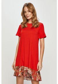 Czerwona sukienka Desigual z krótkim rękawem, gładkie, casualowa, na co dzień