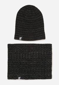 Czarna czapka Born2be