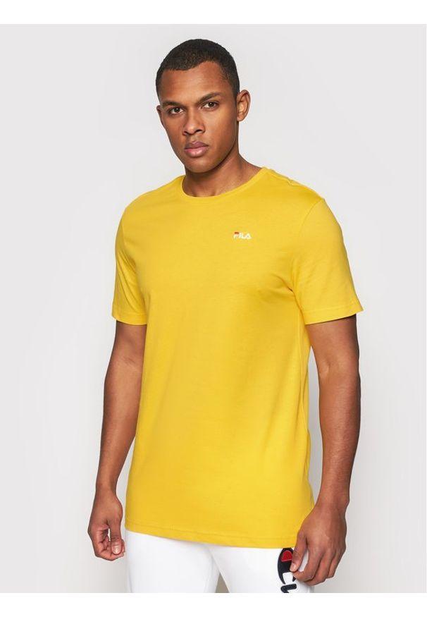 Fila T-Shirt Unwind 682201 Żółty Regular Fit. Kolor: żółty