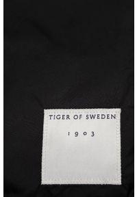 TIGER OF SWEDEN - Tiger Of Sweden - Szalik. Kolor: czarny. Materiał: tkanina, poliester