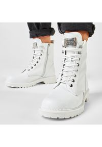 Białe buty trekkingowe Guess z cholewką