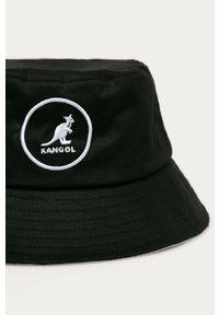 Czarny kapelusz Kangol z aplikacjami