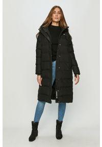 Czarna kurtka 4f z kapturem