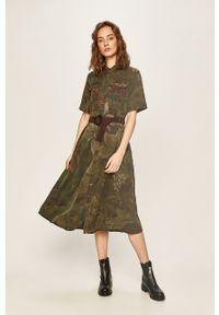 Oliwkowa sukienka Desigual z krótkim rękawem, midi, casualowa, na co dzień