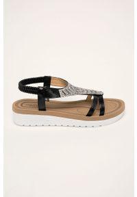 Czarne sandały Truffle Collection bez obcasa, na platformie