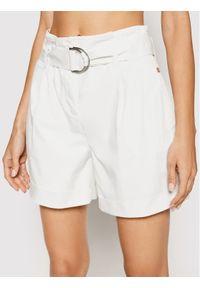 Calvin Klein Jeans Szorty materiałowe Paperbag K20K202820 Biały Regular Fit. Kolor: biały. Materiał: jeans, materiał