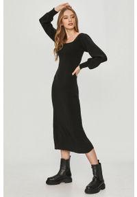 Answear Lab - Sukienka. Kolor: czarny. Materiał: dzianina. Długość rękawa: długi rękaw. Wzór: gładki. Typ sukienki: dopasowane. Styl: wakacyjny