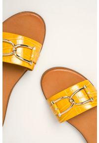 Żółte klapki Aldo bez obcasa