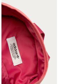 Różowy plecak adidas Originals z nadrukiem