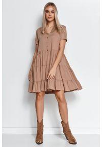 e-margeritka - Zwiewna sukienka z falbanami cappuccino - 40/42. Materiał: wiskoza, materiał. Wzór: aplikacja. Długość: midi