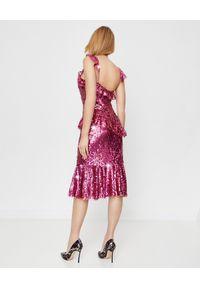 NEEDLE & THREAD - Sukienka z cekinami Scarlett. Kolor: czerwony. Materiał: tiul. Długość rękawa: na ramiączkach. Wzór: aplikacja. Typ sukienki: dopasowane, rozkloszowane. Długość: midi
