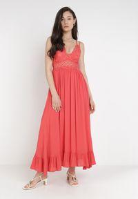 Born2be - Koralowa Sukienka Coridoe. Kolor: pomarańczowy. Materiał: koronka. Długość rękawa: na ramiączkach. Wzór: koronka, ażurowy. Długość: maxi
