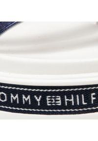 Sandały TOMMY HILFIGER - Platform Sandal T3A2-31042-0898 S Blue/Red/White Y019. Kolor: niebieski. Materiał: skóra. Wzór: aplikacja. Obcas: na platformie