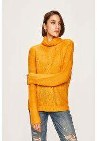 ANSWEAR - Answear - Sweter. Okazja: na co dzień. Typ kołnierza: golf. Kolor: żółty. Materiał: dzianina. Wzór: ze splotem. Styl: casual