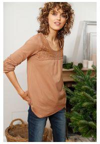 Brązowa bluzka bonprix długa, w koronkowe wzory