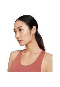 Koszulka damska do biegania Nike Breathe Cool CZ9608. Materiał: materiał, poliester. Długość rękawa: na ramiączkach. Technologia: Dri-Fit (Nike). Sport: bieganie