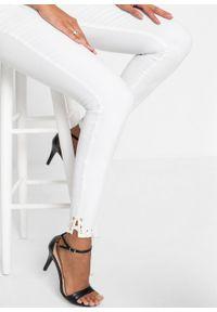 Białe jeansy bonprix z podwyższonym stanem