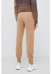 Vero Moda - Spodnie. Okazja: na co dzień. Stan: podwyższony. Kolor: brązowy. Materiał: dzianina. Styl: casual