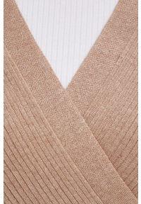 Jacqueline de Yong - Sukienka. Kolor: brązowy. Materiał: dzianina, materiał. Długość rękawa: długi rękaw