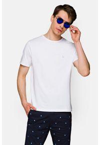 Lancerto - Koszulka Biała Daniel. Okazja: na co dzień. Kolor: biały. Materiał: włókno, materiał, bawełna. Wzór: aplikacja. Sezon: lato, jesień, wiosna, zima. Styl: klasyczny, casual