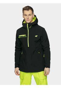 4f - Softshell snowboardowy męski. Typ kołnierza: kaptur. Kolor: czarny. Materiał: softshell. Sezon: zima. Sport: snowboard