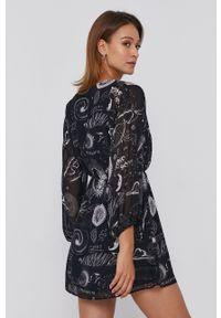 Desigual - Sukienka. Kolor: czarny. Materiał: tkanina. Typ sukienki: rozkloszowane