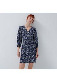 House - Plisowana sukienka mini z wiązaniem - Wielobarwny. Długość: mini