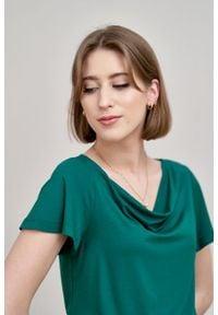 Marie Zélie - Bluzka Maja ciemnozielona. Kolor: zielony. Materiał: elastan, materiał, wiskoza, tkanina, dzianina. Długość rękawa: krótki rękaw. Długość: krótkie. Styl: elegancki