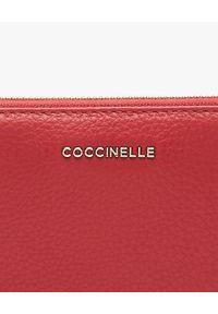 Coccinelle - COCCINELLE - Czerwony portfel ze skóry. Kolor: czerwony. Materiał: skóra