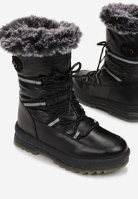 Czarne śniegowce Born2be