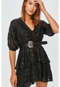 Czarna sukienka Answear Lab casualowa, mini, z krótkim rękawem, na co dzień