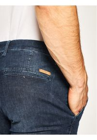 Baldessarini Jeansy Jonah 16822/000/1439 Granatowy Regular Fit. Kolor: niebieski. Materiał: jeans, poliester, elastan, bawełna