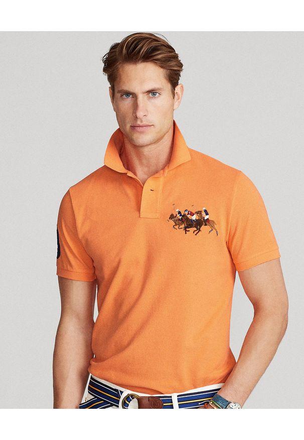 Ralph Lauren - RALPH LAUREN - Pomarańczowa polówka Triple-Pony. Typ kołnierza: polo. Kolor: pomarańczowy. Materiał: tkanina, bawełna, prążkowany. Długość: długie. Wzór: haft, aplikacja. Styl: sportowy, klasyczny