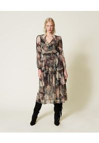 TwinSet - Długa sukienka z kreponu w kwiaty Twinset. Kolor: czarny. Materiał: tkanina. Długość rękawa: długi rękaw. Wzór: kwiaty. Typ sukienki: rozkloszowane. Długość: maxi