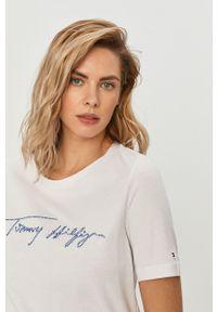TOMMY HILFIGER - Tommy Hilfiger - T-shirt. Okazja: na co dzień. Kolor: biały. Wzór: aplikacja. Styl: casual