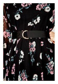 iBlues Sukienka codzienna Delfina 72210301 Czarny Loose Fit. Okazja: na co dzień. Kolor: czarny. Typ sukienki: proste. Styl: casual #5