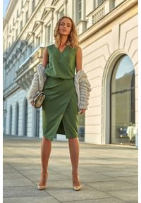 Zielona sukienka wizytowa MOE wizytowa, kopertowa