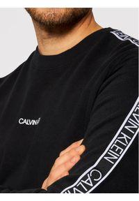 Calvin Klein Bluza Essential Logo Tape K10K107313 Czarny Regular Fit. Kolor: czarny