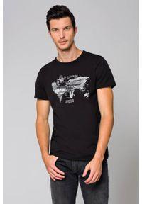 Czarny t-shirt Lancerto z napisami, z klasycznym kołnierzykiem, klasyczny