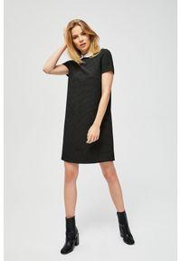 Czarna sukienka MOODO
