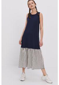 Deha - Sukienka. Kolor: niebieski. Materiał: włókno, dzianina, materiał, syntetyk. Typ sukienki: rozkloszowane