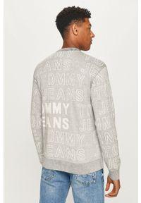 Tommy Jeans - Sweter. Kolor: szary. Materiał: dzianina. Długość rękawa: długi rękaw. Długość: długie