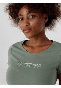 4f - T-shirt regular z nadrukiem damski. Kolor: zielony. Materiał: bawełna, dzianina. Wzór: nadruk