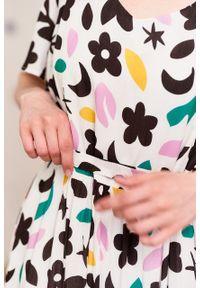 Marie Zélie - Sukienka Benjamina Colea. Okazja: na spacer. Materiał: bawełna, wiskoza, materiał. Długość rękawa: krótki rękaw. Wzór: kwiaty. Sezon: lato. Długość: maxi