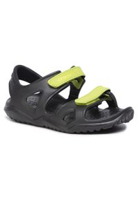 Czarne sandały Crocs na lato
