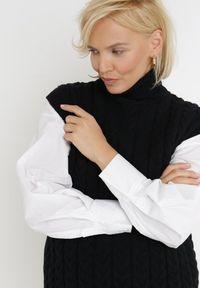 Born2be - Czarna Kamizelka Euphanie. Typ kołnierza: golf. Kolor: czarny. Materiał: jeans, wiskoza, dzianina, prążkowany. Długość rękawa: bez rękawów. Wzór: ze splotem